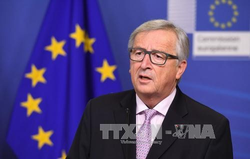 Presiden Komisi Eropa, Jean-Claude Juncker merekomendasikan isi-isi utama untuk turut mengarahkan perkembangan Eropa - ảnh 1