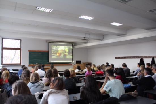 Lokakarya dan pameran foto tentang Vietnam di Romania - ảnh 1