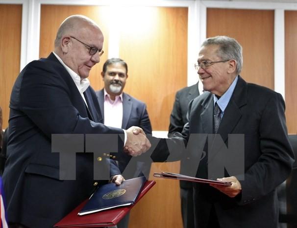 US Senators present bill to repeal Cuba blockade - ảnh 1