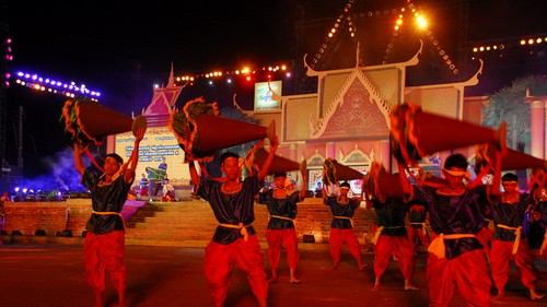 Праздник культуры, спорта и туризма народности кхмер - ảnh 1