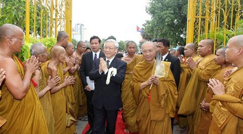Генеральный секретарь ЦК КПВ Нгуен Фу Чонг продолжает визит в Камбоджу - ảnh 1