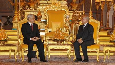 Совместное заявление в связи с визитом Генерального секретаря ЦК КПВ в Камбоджу - ảnh 1