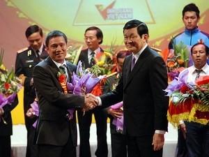 Участие президента СРВ в 9-ой программе «Слава Вьетнаму» - ảnh 1
