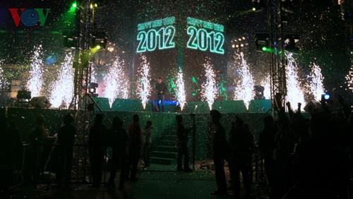 Новогодняя атмосфера в Ханое - ảnh 10