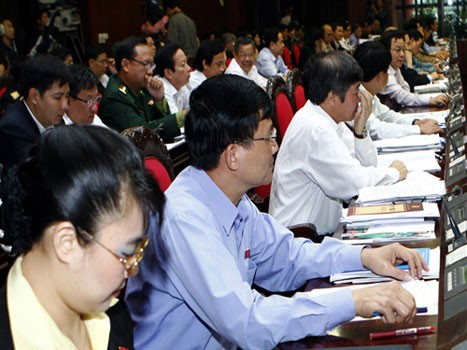 Депутаты обсуждали проект дальнейшего обновления и повышения качества и... - ảnh 1