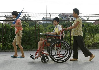 Общество вьетнамских жертв «эйджент-орандж» посетило Республику Корея - ảnh 1