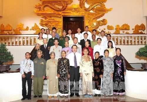 Премьер-министр СРВ Ву Ван Нинь принял делегацию ветеранов войны,... - ảnh 1