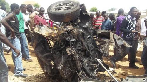 Мощный взрыв и перестрелка в Нигерии - ảnh 1