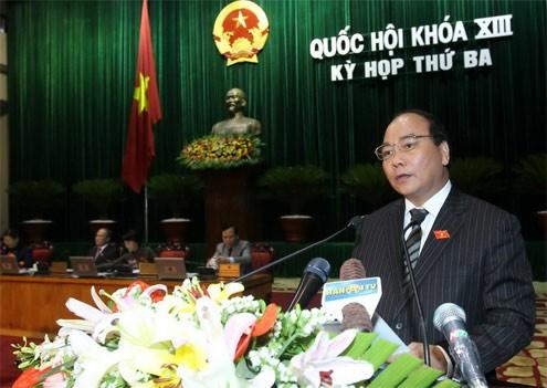 Члены вьетнамского правительства ответили на запросы депутатов парламента - ảnh 1