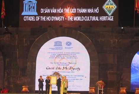 Церемония вручения сертификата ЮНЕСКО на признание цитадели династии Хо одним... - ảnh 1