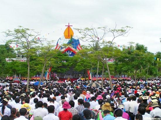 Нельзя искажать ситуацию с вероисповеданием во Вьетнаме - ảnh 1