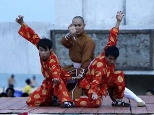 Уличный праздник в рамках 4-го Международного фестиваля традиционных боевых... - ảnh 1