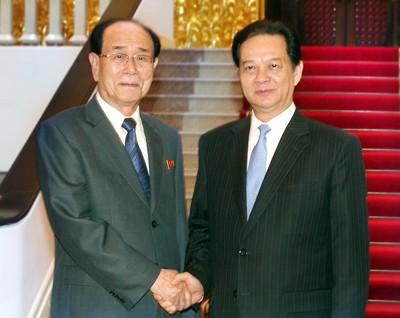Премьер-министр Вьетнама Нгуен Тан Зунг провел переговоры с Ким Ен Намом - ảnh 1