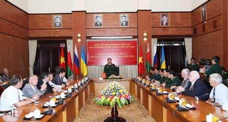 Во Вьетнаме принята делегация ветеранов войны России, Украины и Беларуси - ảnh 1