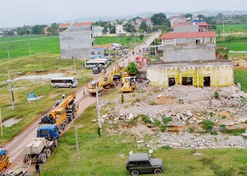 Проверка реализации проекта строительства скоростной автомобильной дороги... - ảnh 1