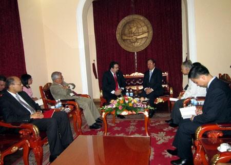 Ву Суан Хонг встретился заместителем министра иностранных дел Венесуэлы - ảnh 1