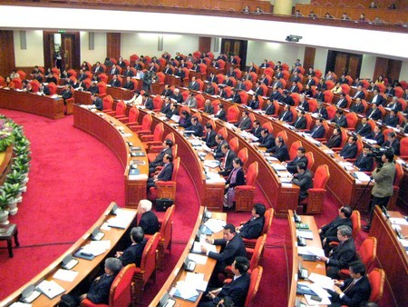 Развитие роли руководителей в выполнении партийной резолюции - ảnh 1