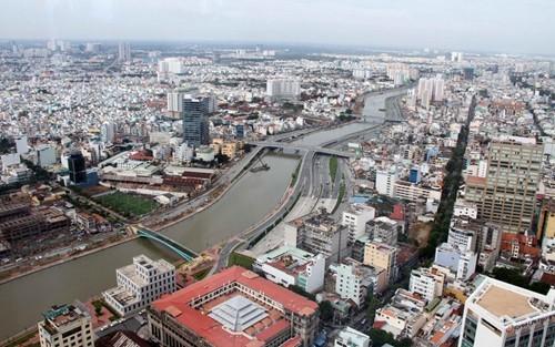 Политбюро ЦК КПВ обнaродовало резолюцию о направлениях развития города Хошимина - ảnh 1