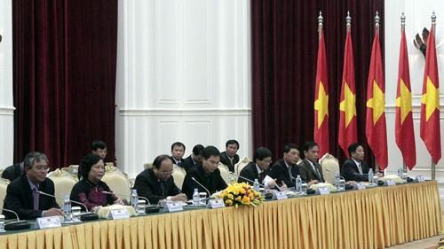 Укрепление отношений сотрудничества между Вьетнамом и Камбоджей - ảnh 1