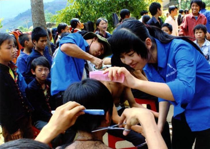 Летнее движение молодых волонтеров - 2012  - ảnh 1