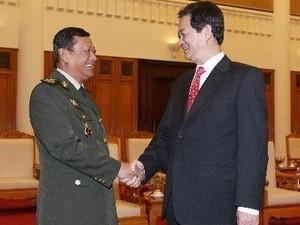 Премьер-министр Нгуен Тан Зунг принял госсекретаря Министерства обороны Камбоджи - ảnh 1