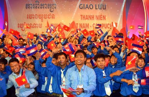 Молодежь Вьетнама и Камбоджи развивает дружбу ради мира, сотрудничества и... - ảnh 1