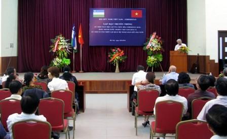 Встреча в связи с Национальными праздниками Вьетнама и Узбекистана - ảnh 1