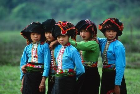 Одежда женщин народности Тхай - ảnh 2