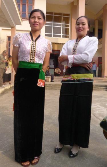 Одежда женщин народности Тхай - ảnh 3