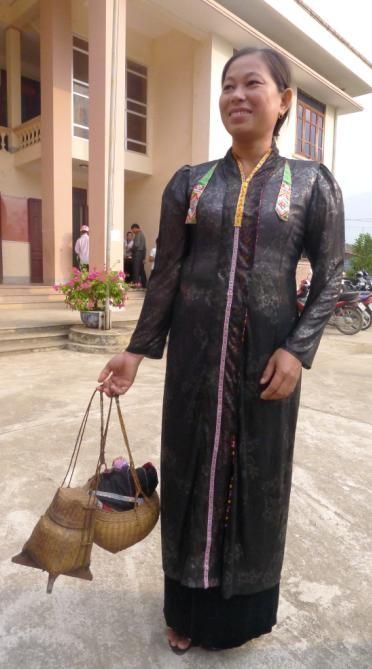 Одежда женщин народности Тхай - ảnh 4