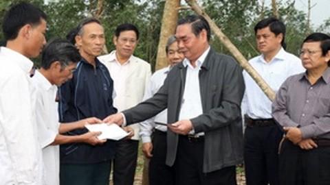 Член политбюро ЦК КПВ Ле Хонг Ань посетил провинцию Хатинь - ảnh 1
