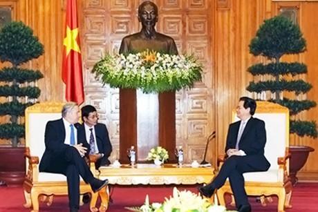 Премьер-министр СРВ Нгуен Тан Зунг принял губернаторов Берлина и Северной Австралии - ảnh 1