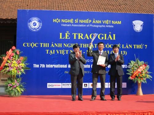 Вьетнам завоевал три золотых приза на 7-м международном конкурсе фотоискусства - ảnh 1