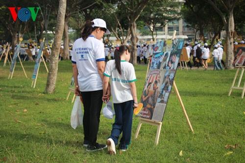 Участие президента СРВ в марше за детей-инвалидов - ảnh 9