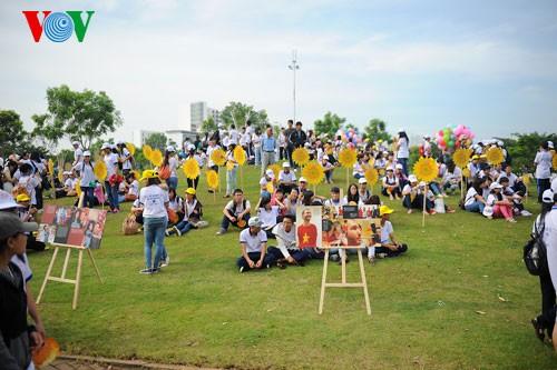 Участие президента СРВ в марше за детей-инвалидов - ảnh 11
