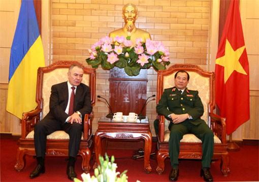 Вьетнам и Украина расширяют сотрудничество в подготовке военно-прокурорских кадров - ảnh 1