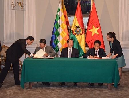 Вьетнам и Боливия укрепляют отношения всестороннего сотрудничества - ảnh 1
