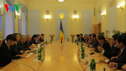 Парламенты Вьетнама и Украины активизируют сотрудничество - ảnh 1
