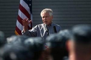 Министр обороны США обязался поддержать безопасность в Персидском заливе - ảnh 1