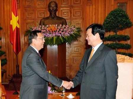 Премьер-министр Вьетнама принял послов Таиланда и Индии - ảnh 1