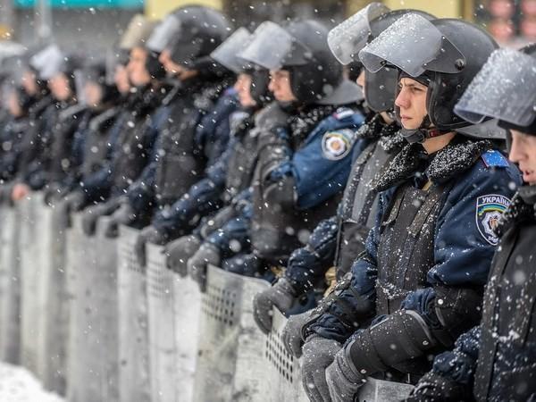 Украина опровергла обвинения ее в применении силы против демонстрантов - ảnh 1