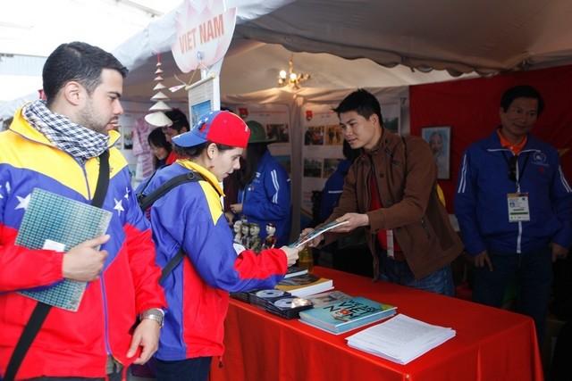 Вьетнам принимает участие в 18-м всемирном фестивале молодёжи и студентов - ảnh 5