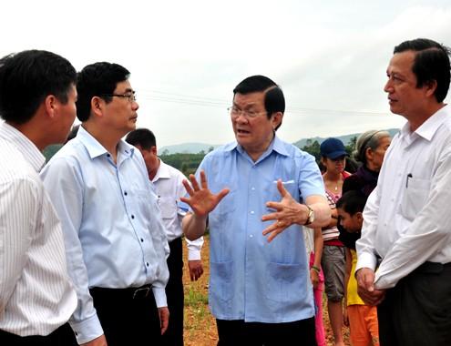 Президент Вьетнама совершил рабочую поездку в провинцию Куангнгай - ảnh 1