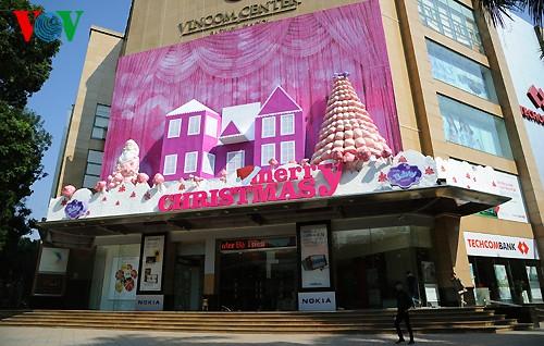 Рождественская атмосфера в Ханое - ảnh 3