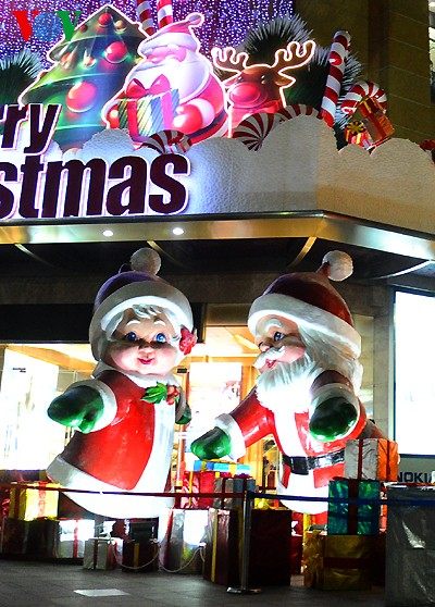 Рождественская атмосфера в Ханое - ảnh 5