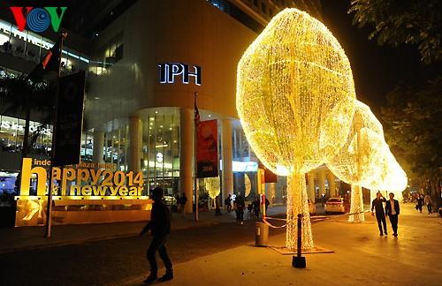 Рождественская атмосфера в Ханое - ảnh 7