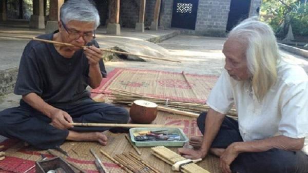 Своеобразный духовой музыкальный инструмент «Кхенбе» народности Тхай в долине Мыонгло - ảnh 1