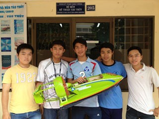 Chế tạo thành công mô hình tàu đệm khí  - ảnh 1