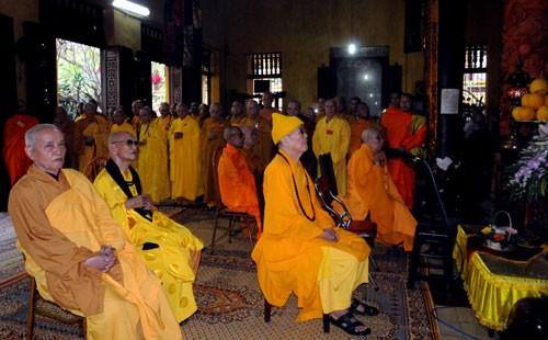 Chùm ảnh: Cung nghinh Chư Tôn đức Giáo phẩm dự Đại hội  - ảnh 4