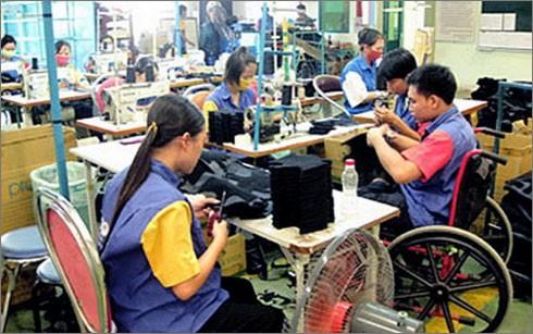 Giúp người khuyết tật tiếp cận và sử dụng các công trình công cộng - ảnh 1